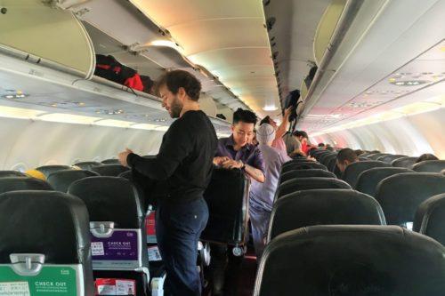 バンコク旅行 機内